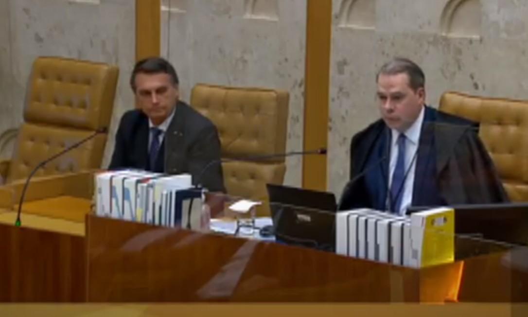 O presidente Jair Bolsonaro participa da despedida do minsitro Dias Toffoli do comando do STF Foto: Reprodução/TV Justiça