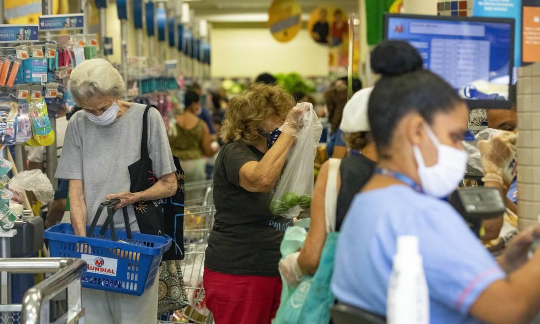 Preço do arroz aumentou nas últimas semanas Foto: Ana Branco / Agência O Globo