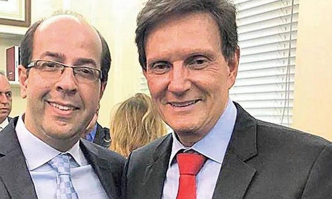 Rafael Alves e Crivella, em evento oficial Foto: Reprodução