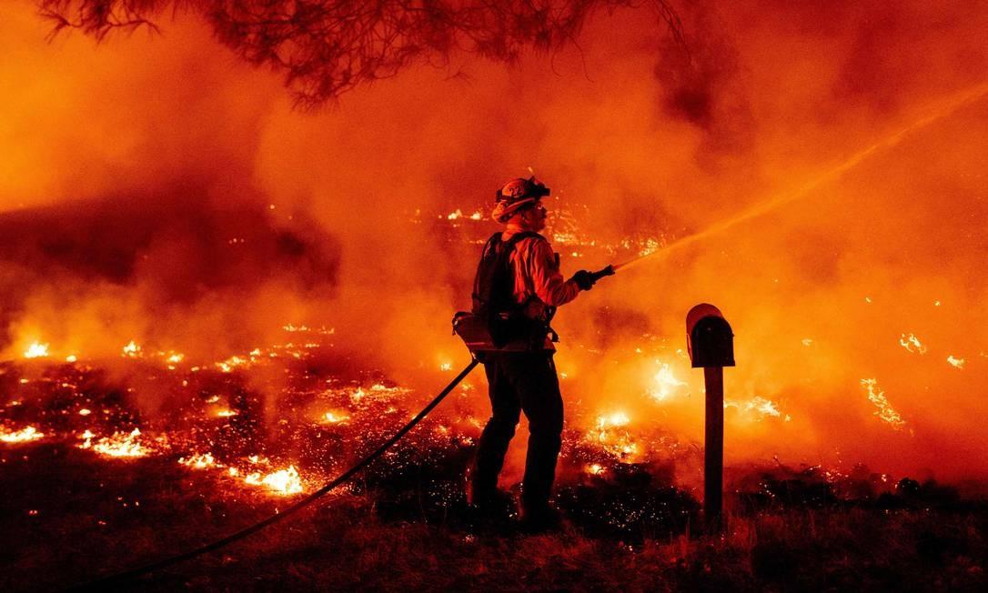 Sete pessoas morreram na última quarta-feira por causa dos incêndios florestais que atingem os estados de Washington, Oregon e Califórnia, nos Estados Unidos Foto: JOSH EDELSON / AFP