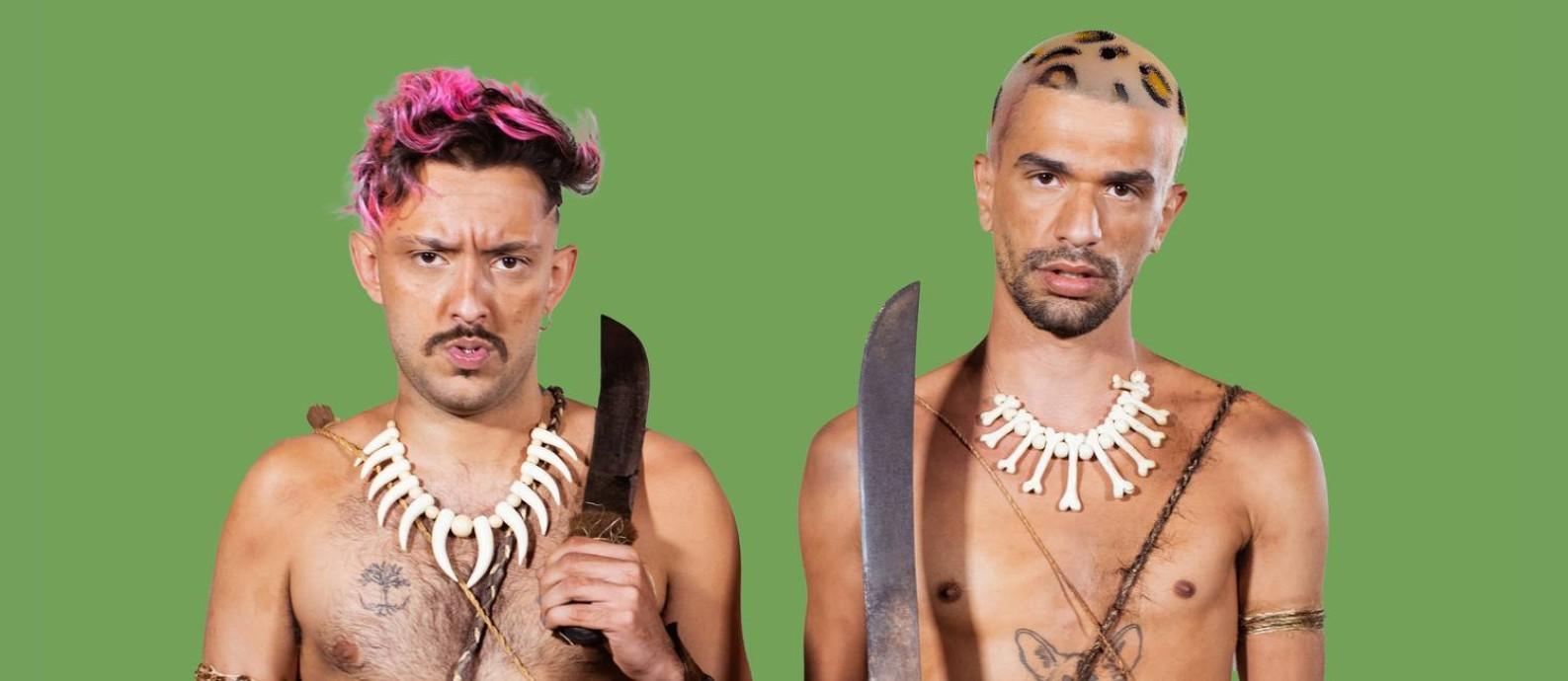 Os rappers mineiros Hot (à esq.) e Oreia Foto: Divulgação