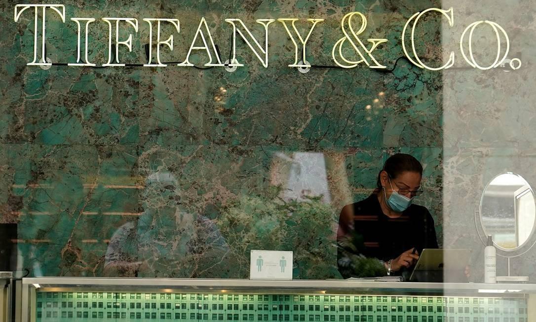 A LVMH anunciou desistência da aquisição da joalheira Tiffany Foto: CARLO ALLEGRI / REUTERS