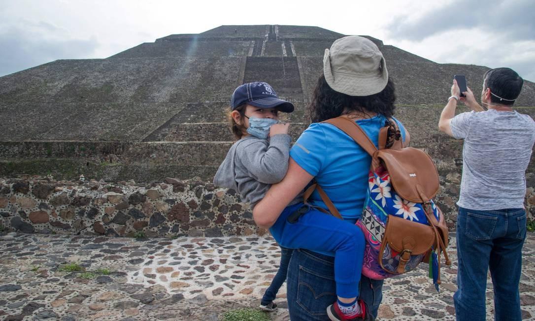 """Língua materna da metrópole é desconhecida, assim como seu nome original. Os astecas a batizaram séculos após seu colapso. Em Nahuatl, que ainda é falado por muitos indígenas no México, significa """"cidade dos deuses"""" Foto: CLAUDIO CRUZ / AFP"""