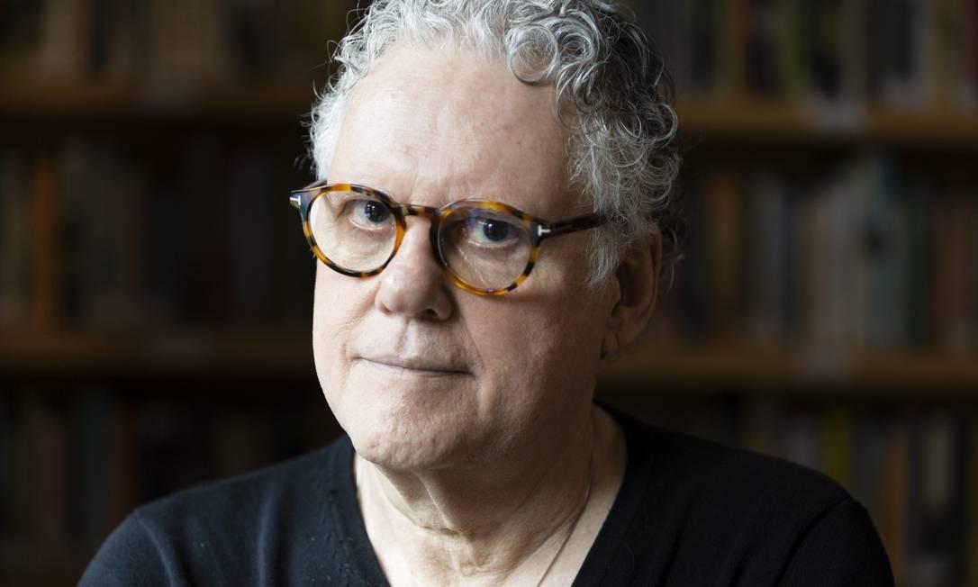 Em entrevista ao GLOBO, o cientista político Sérgio Abranches disse que alarme para risco à democracia ainda não soou no Brasil Foto: Fernando Lemos / Agência O Globo / 6-12-2019