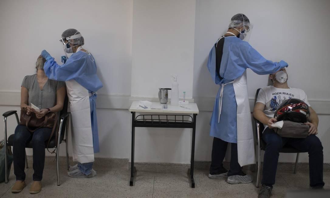 Força-tarefa de estudo do coronavírus da UFRJ já testou mais de três mil pessoas, em sua maioria profissionais de saúde do estado do Rio de Janeiro Foto: Márcia Foletto / Agência O Globo/8-9-2020