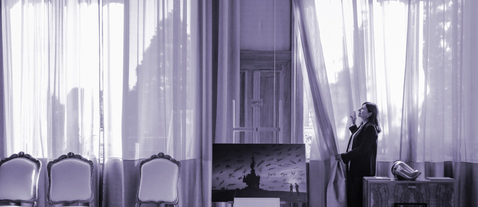 Anne Hidalgo, prefeita de Paris, fotografada em seu gabinete (17/09/2019). Um caso de abuso sexual colocou feministas em lados opostos na França, país onde o movimento #MeToo anda a passos lentos Foto: Andrea Mantovani/The New York Times