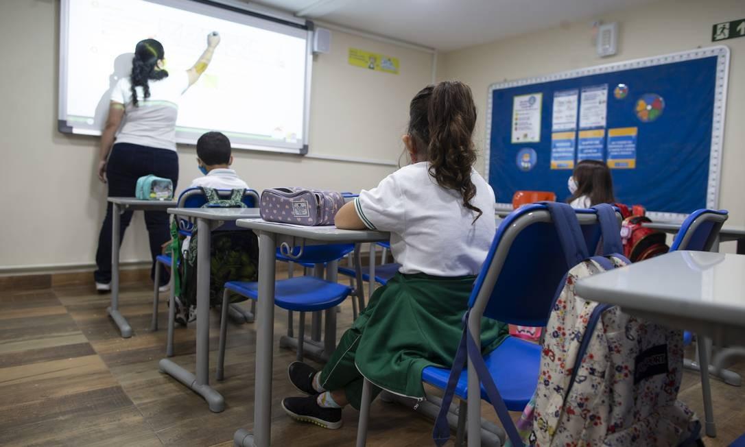 Centro Educacional Miraflores, em Laranjeiras, recebeu alunos nesta terça Foto: Márcia Foletto / Agência O Globo