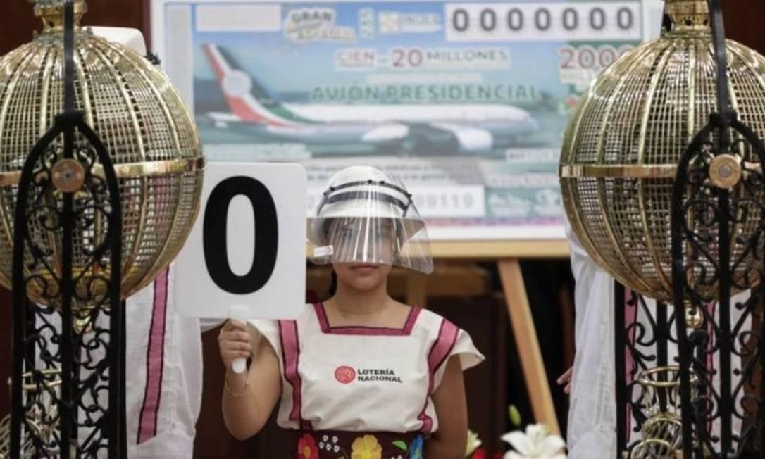 Depois de uma enorme campanha midiática, sorteio da aeronave presidencial finalmente foi realizado no México Foto: Reuters
