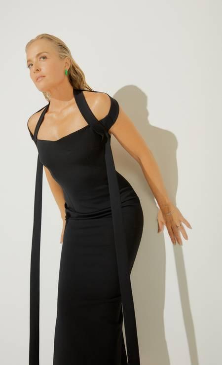 Angélica usa vestido Dolce & Gabbana e brincosTott Foto: Pedro Bucher