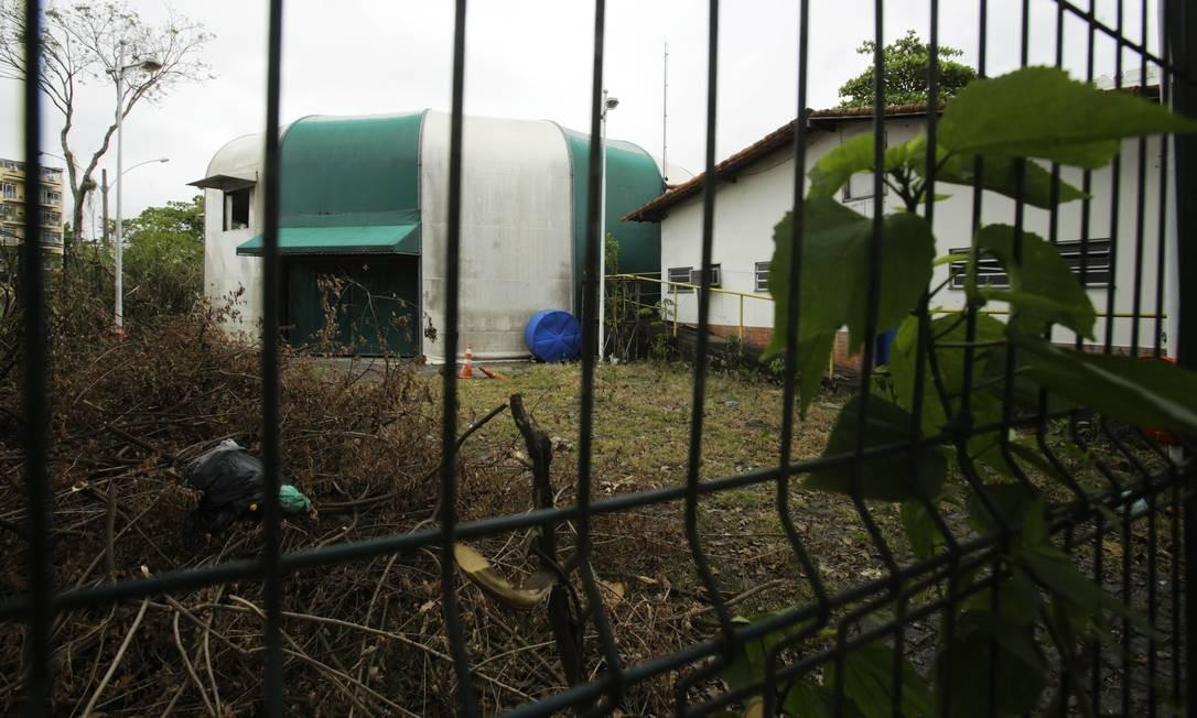 Lona Jacob do Bandolim, em Jacarepaguá, teve equipamentos de som, luz e vídeo roubados no mês passado Foto: ANTONIO SCORZA / Agência O Globo