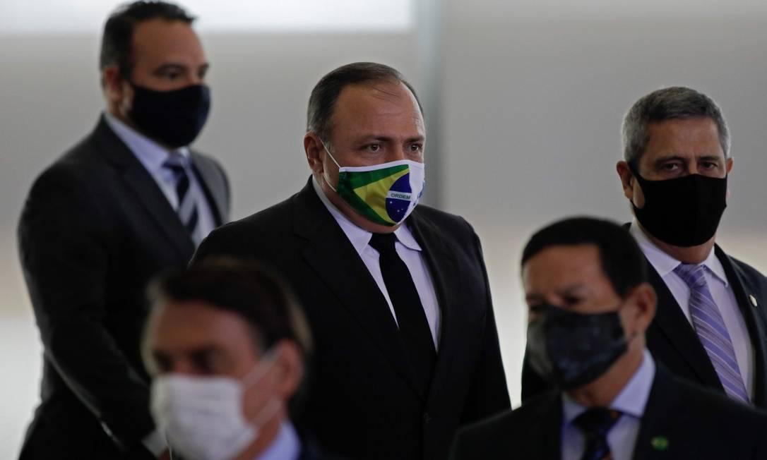 Pazuello se tornou o terceiro nome a assumir a pasta da Saúde durante o governo Bolsonaro. Ele chegou ao ministério após a demissão do ex-ministro Luiz Henrique Mandetta, em abril, já durante a pandemia, sendo escolhido por Teich para ser seu número 2 Foto: SERGIO LIMA / AFP
