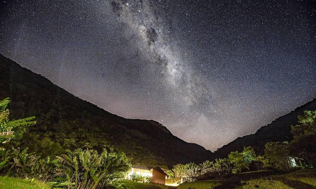 O céu estrelado visto a noite na reserva particular Cachoeira dos Borges, na gaúcha Mampituba, perto de Santa Catarina Foto: Divulgação
