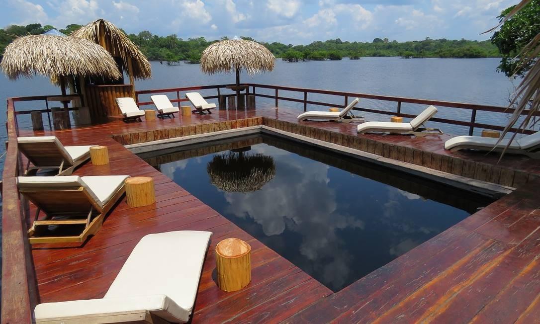 A piscina do Juma Amazon Lodge, em plena floresta amazônica Foto: Divulgação