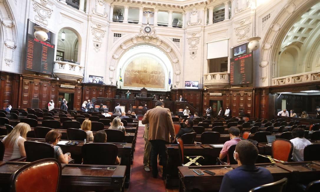 Sessão acontece semipresencial e tem participação de 23 dos 25 deputados da comissão especial Foto: Fabiano Rocha / Agência O Globo