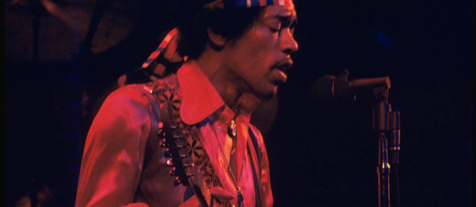 O guitarrista e cantor americano Jimi Hendrix Foto: Alan Herr / Divulgação