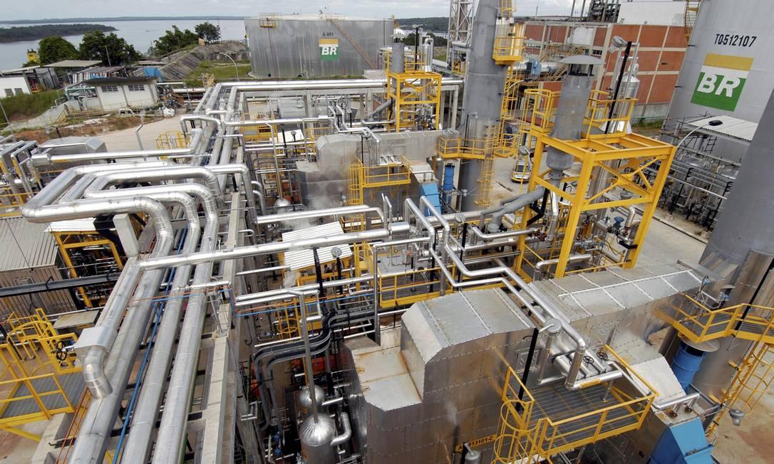 Petrobras vendeu a Refinaria Landulpho Alves (RLAM), localizada no Recôncavo Baiano, e mais sete unidades de refino, para para fundo árabe por US$ 1,6 bi. Foto: Geraldo Kosinski / Agência O Globo
