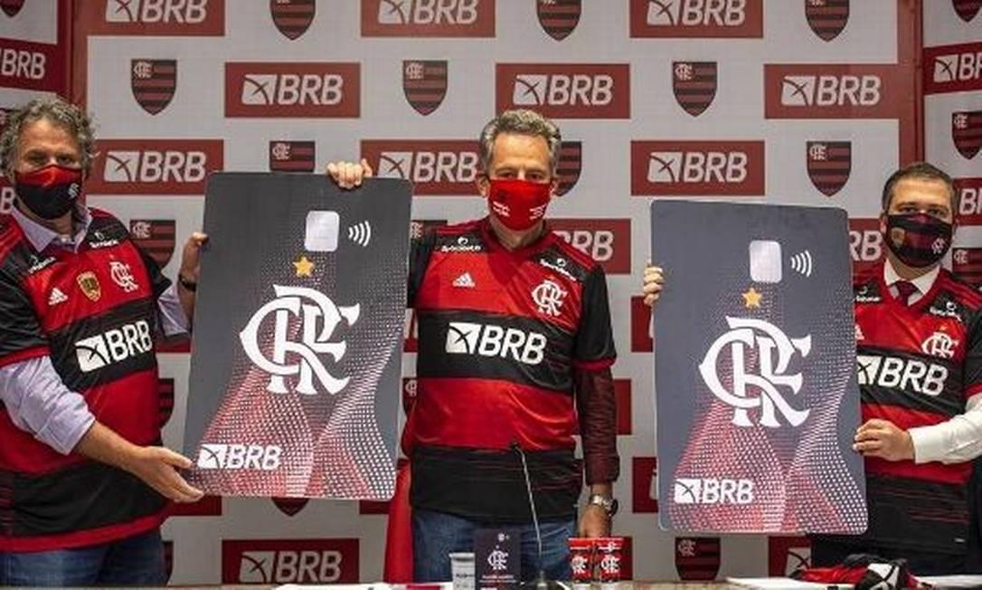 Dirigentes do Flamengo anunciam BRB como novo patrocinador Foto: Alexandre Vidal/Divulgação