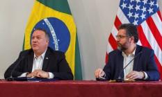 Mike Pompeo, secretário de Estado dos EUA, e Ernesto Araújo, chanceler brasileiro, participam de entrevista coletiva em Roraima Foto: POOL / REUTERS/18-09-2020