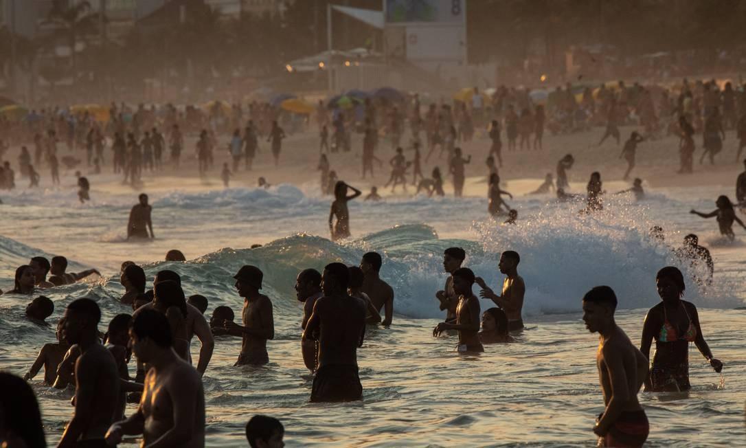 Rio teve finais de semanas com praias lotadas Foto: Brenno Carvalho/13.09.2020 / Agência O Globo