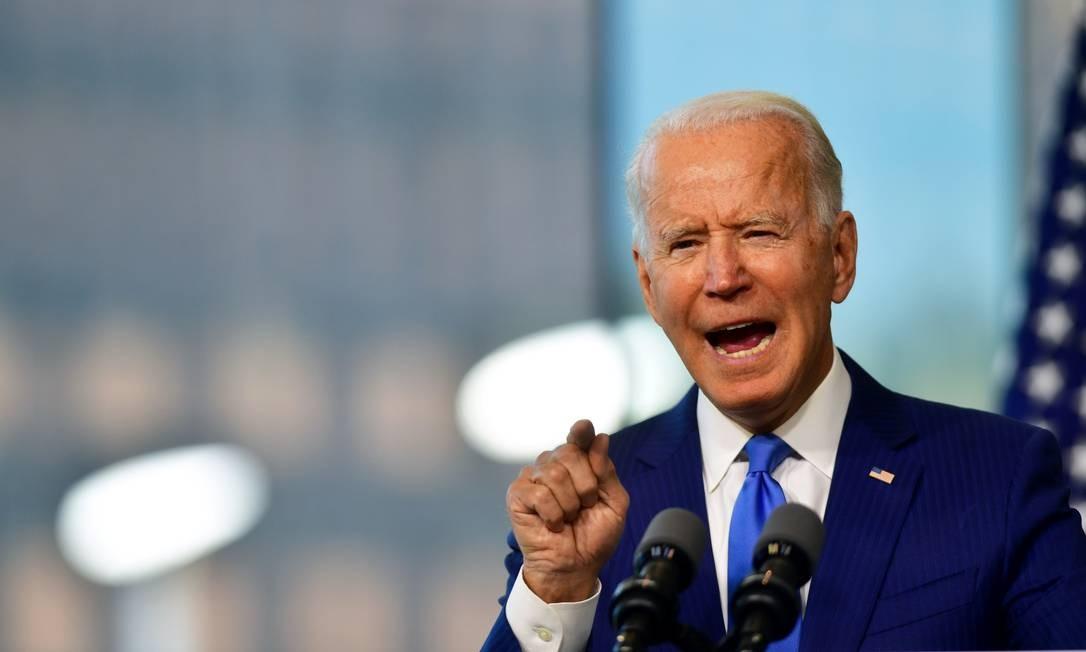 Candidato democrata à Presidência dos EUA, Joe Biden, durante comício na Filadélfia Foto: MARK MAKELA / REUTERS