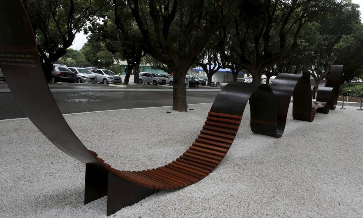 Memorial homenageia vítimas da Covid 19 no Cemitério da Penitência , no Caju Foto: FABIANO ROCHA / Agência O Globo