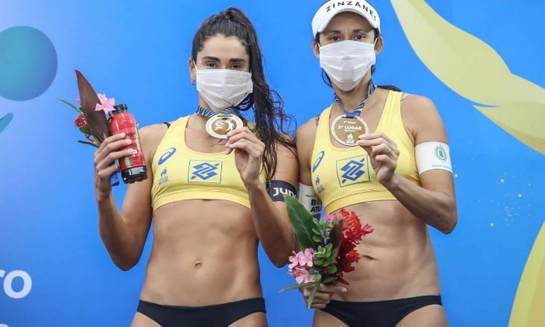 A dupla formada por Carol e Talita conquistou o bronze em Saquarema Foto: Wander Roberto/Inovafoto/CBV