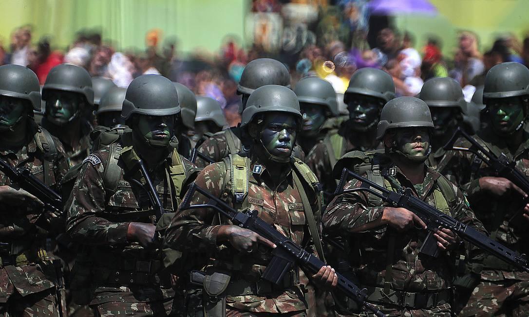 Tropas do Exército participam de solenidade militar Foto: Jorge William/23-08-2019 / Agência O Globo
