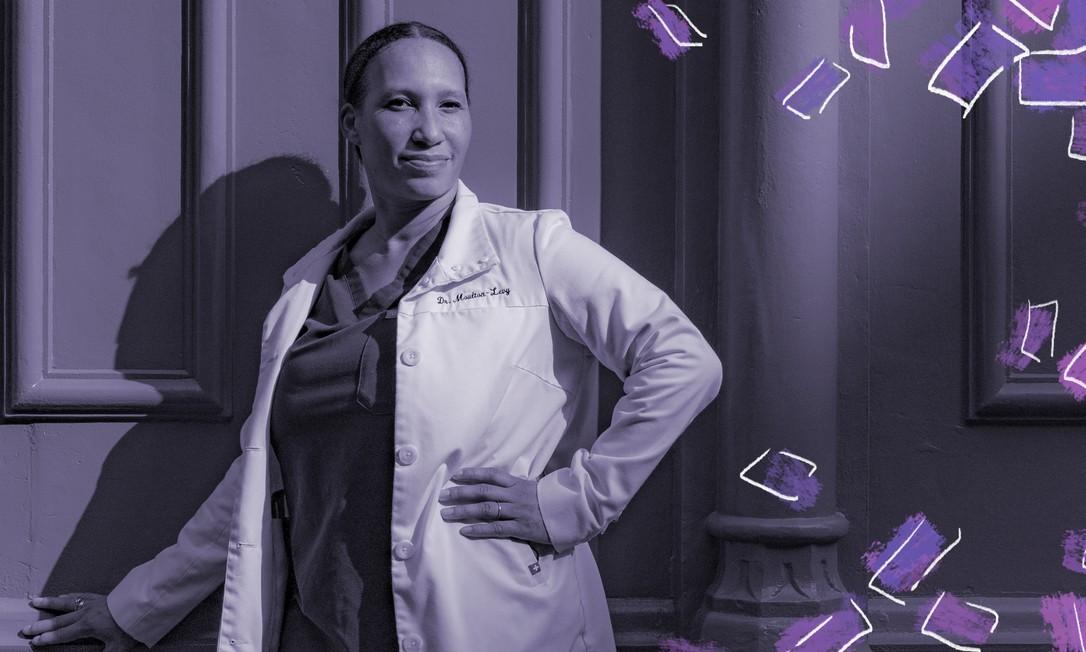 A dermatologista Natalie Moulton-Levy, que trabalha em Manhattan, diz que condições comuns da pele se manifestam de formas diferente na pele negra, mas os médicos são treinados para fazer o diagnóstico na pele branca Foto: JEENAH MOON/NYT