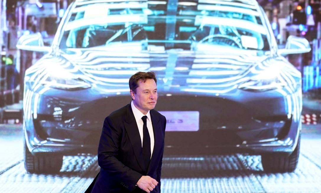 Elon Musk quer baratear o custo de baterias para reduzir o preço dos carros elétricos Foto: Aly Song / Reuters