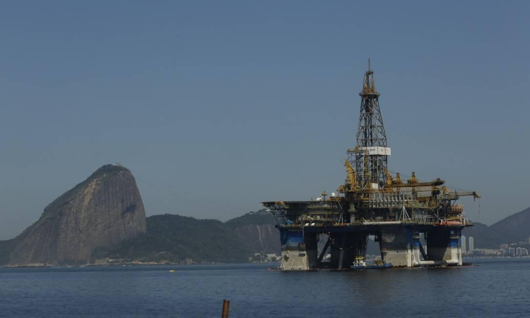 Plataforma estacionada na Baía de Guanabara Foto: Arquivo