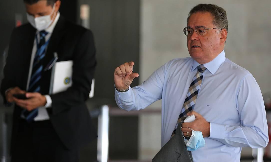 O senador Roberto Rocha (PSDB-MA), presidente da comissão mista da reforma tributária e líder da maioria no Congresso Foto: Jorge William / Agência O Globo