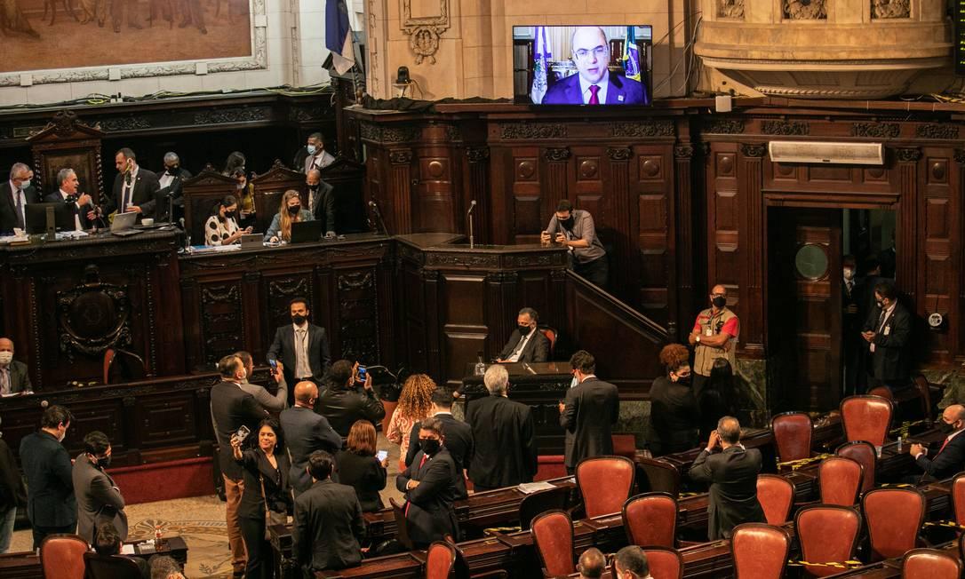 Witzel faz sua defesa por vídeoconferência, após fala de deputados. Governador afastado desistiu de ir ao plenário Foto: BRENNO CARVALHO / Agência O Globo