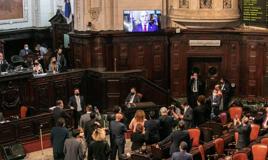 Momento de atenção no plenário da Alerj com a defesa de Witzel Foto: Brenno Carvalho / Agência O Globo