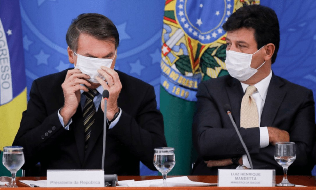 Presidente Jair Bolsonaro e Luiz Henrique Mandetta, ex-ministro da Saúde Foto: Agência O Globo
