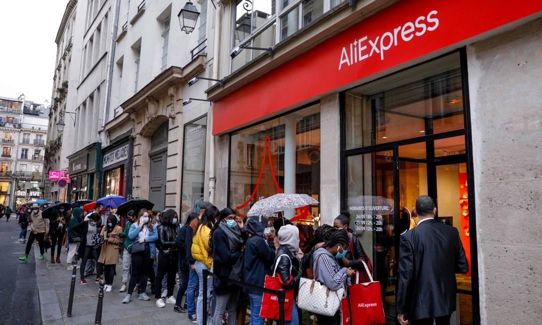 Loja da AliExpress em Paris: empresa traçou medidas para fincar sua bandeira de vez também no Brasil Foto: GEOFFROY VAN DER HASSELT/AFP / AFP