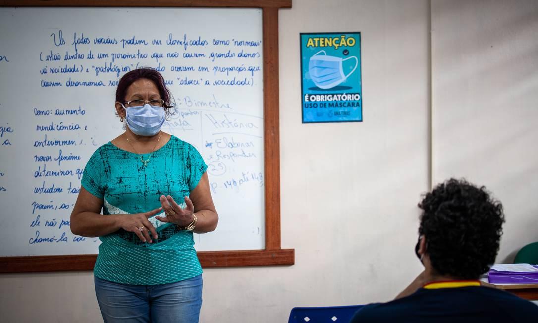 Aula na Escola Estadual Homero de Miranda Leão, em Manaus: parte da rede pública retomou atividades em agosto Foto: Raphael Alves / Agência O Globo