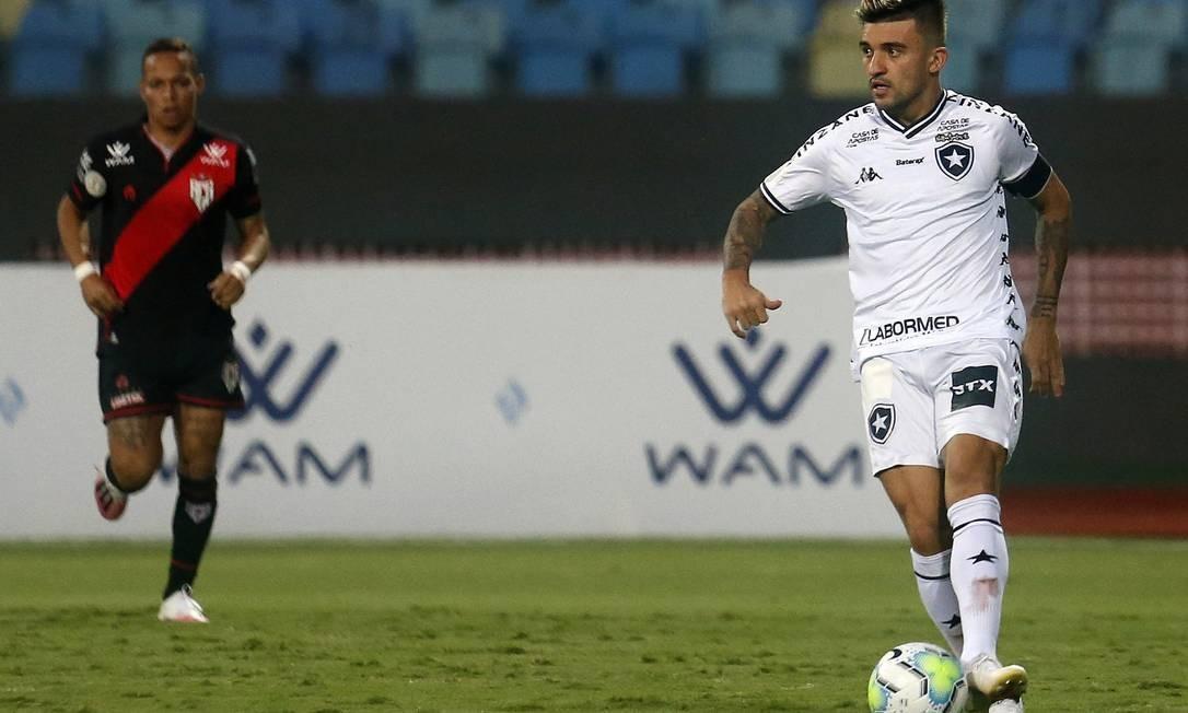 Vitor Luis, lateral-esquerdo do Botafogo Foto: Vítor Silva/ BFR
