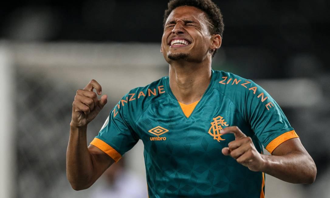 Criticado pela torcida, Felippe Cardoso marcou o segundo gol da noite Foto: Lucas Mercon/Fluminense