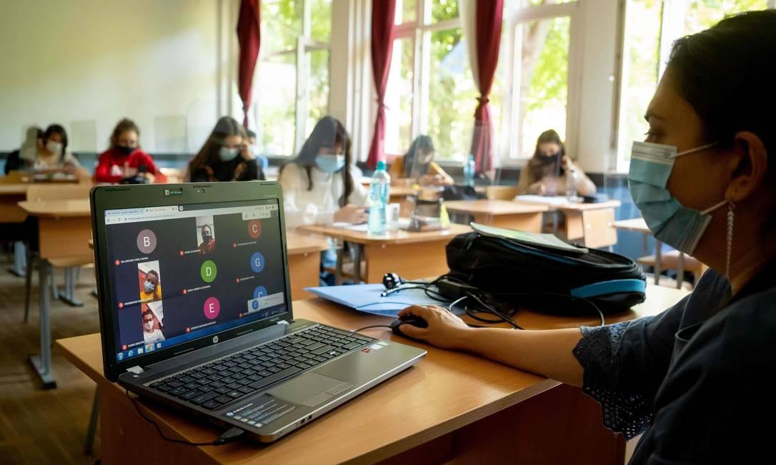 Uso de computador em sala de aula não é imprescindível, diz estudo Foto: ANDREI PUNGOVSCHI/AFP / ANDREI PUNGOVSCHI/AFP