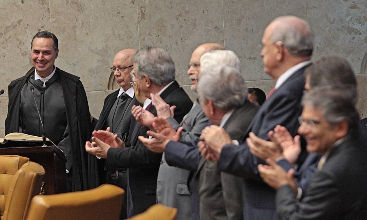 Luís Roberto Barroso assumiu a vacância deixada pela aposentadoria compulsória por idade de Carlos Ayres Britto, em 2013 Foto: André Coelho / Agência O Globo - 26/06/2013