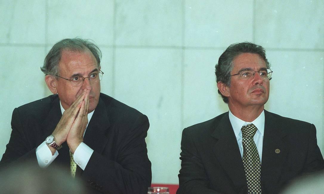 Marco Aurélio Mendes de Faria Mello (à direita) foi indicado ao STF pelo presidente Fernando Collor de Mello, em 1990. A aposentadoria dele está programada para 2021 Foto: Givaldo Barbosa / Agência O Globo - 10/04/2002