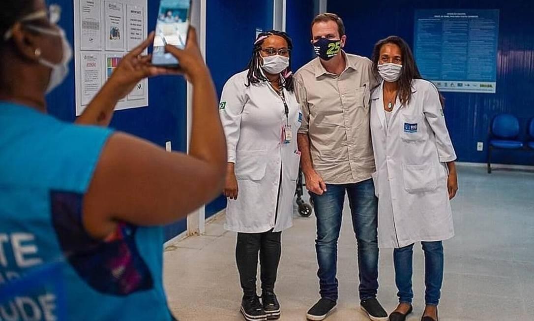 Eduardo Paes (DEM) visita Clínica da Família Foto: Reprodução/Instagram