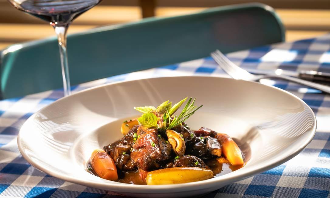 Apesar de reabertos em grande parte do país, restaurantes têm consumo 26,5% menor em agosto, ante igual mês de 2019, segundo a Alelo Foto: Arquivo