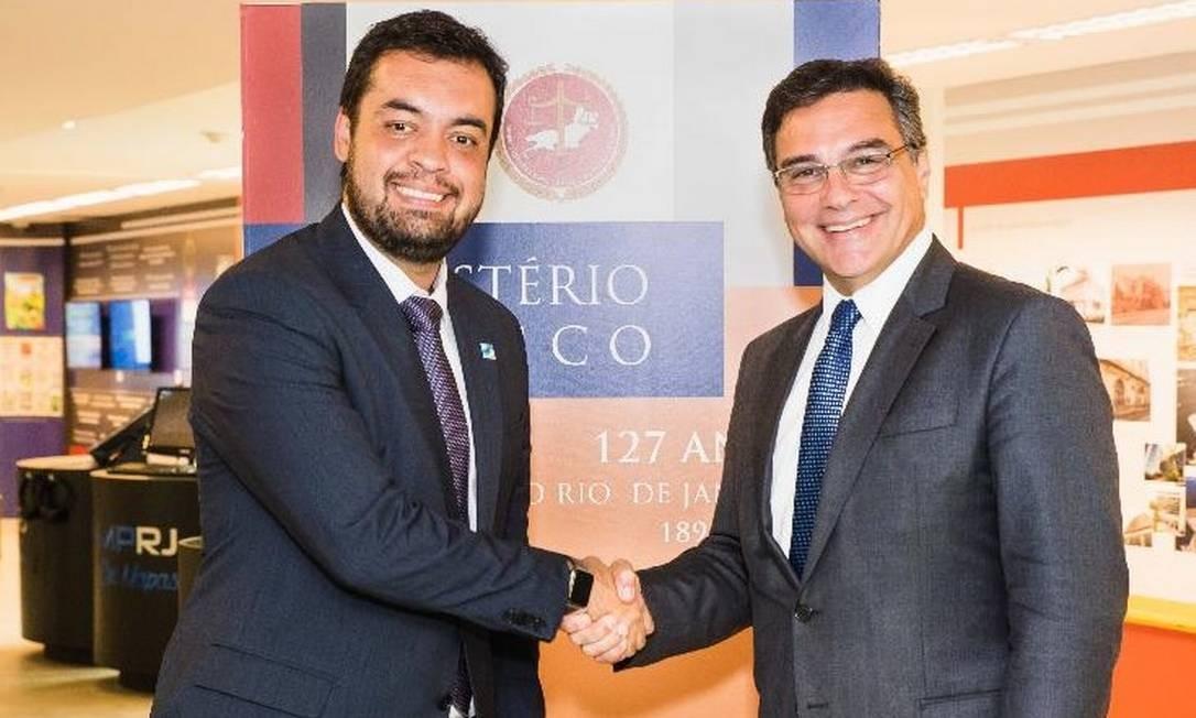 O governador interino Cláudio Castro, que escolherá da lista tríplice o novo PGJ, ao lado de Eduardo Gussem, atual chefe do MPRJ