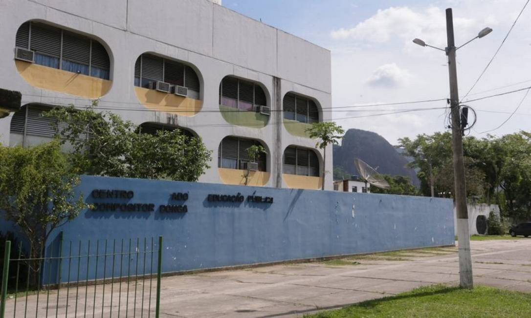 Ciep na Taquara: Pais de alunos do ensino médio - colégios estaduais - querem que filhos recuperem tempo perdido Foto: Cléber Júnior / Agência O GLOBO