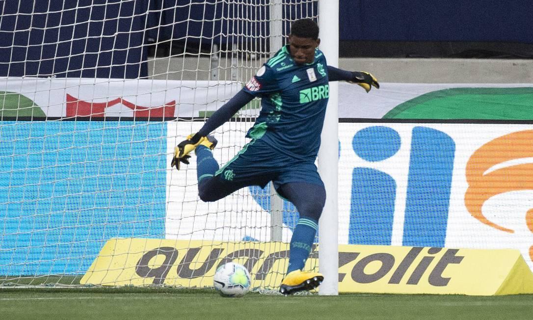 Hugo Souza durante partida contra o Palmeira pelo Brasileiro, em 27 de setembro Foto: Alexandre Vidal / Flamengo