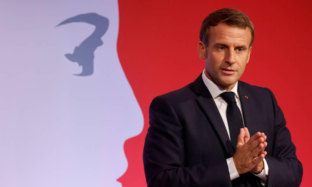 Macron apresenta sua estratégia contra o 'separatismo islâmico', em Les Mureaux, nos subúrbios de Paris Foto: POOL / REUTERS