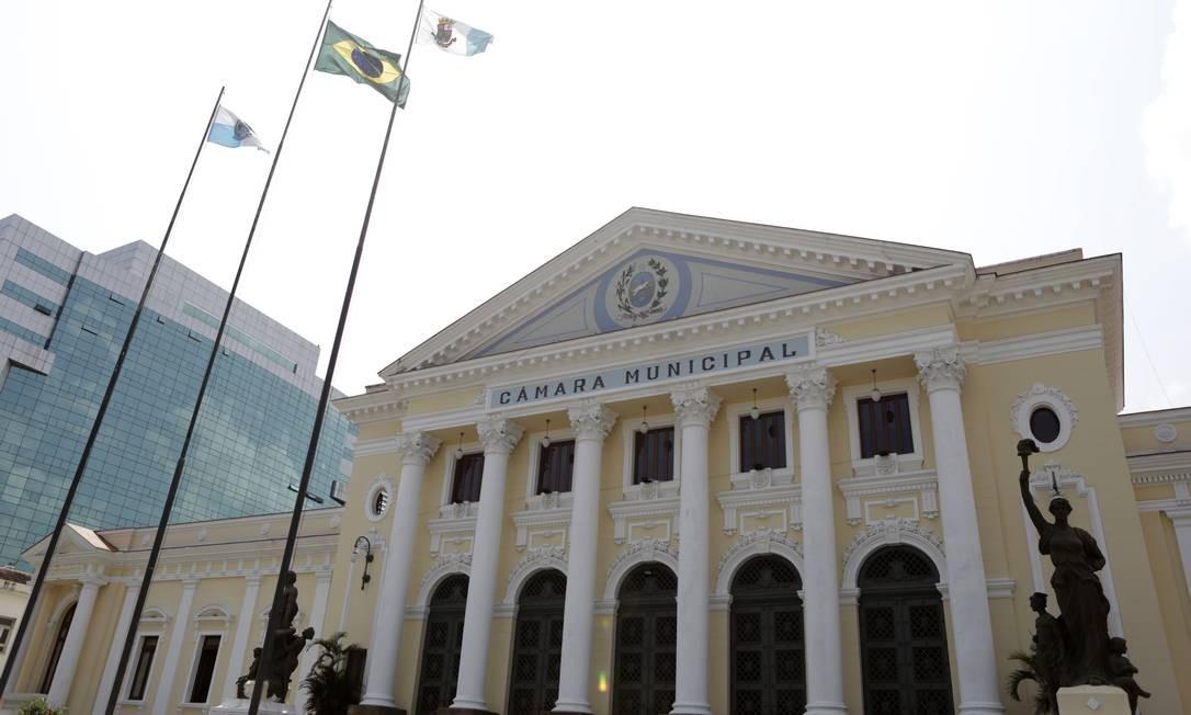 Fachada da Câmara Municipal de Niterói: eleições ocorrem no dia 15 de novembro Foto: Luiza Moraes / Agência O Globo