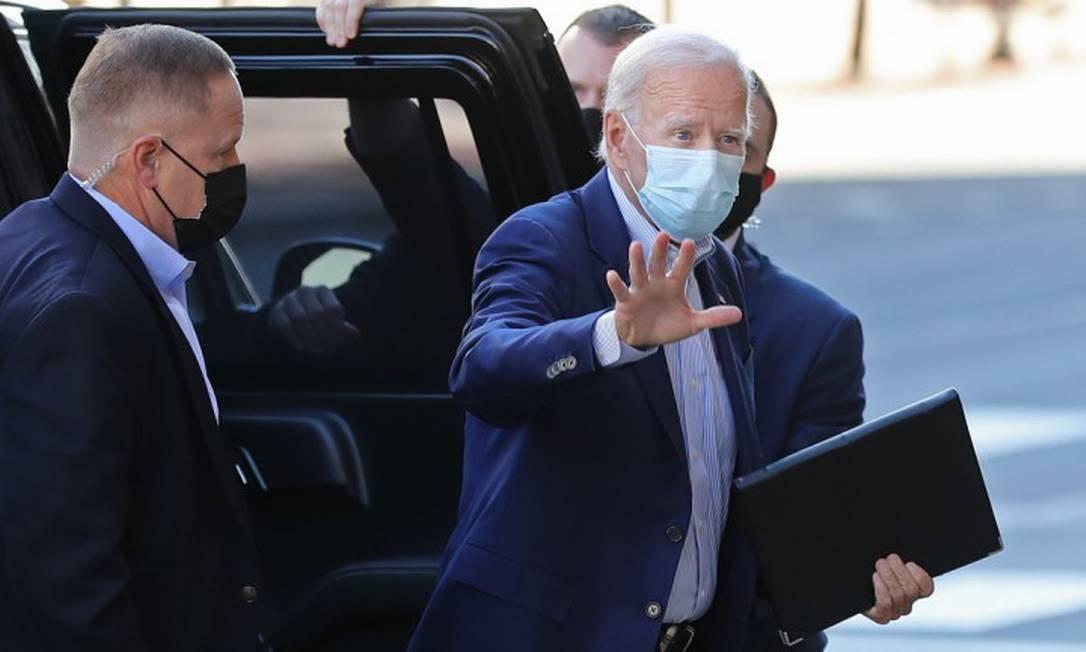De máscaras, Joe Biden chega para evento de campanha em Wilmington, Delaware Foto: CHIP SOMODEVILLA / AFP / 3-10-2020