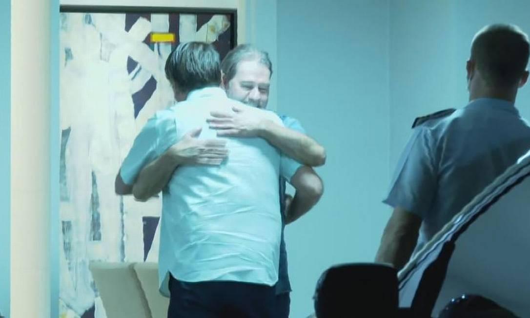 O ministro do STF Dias Toffoli recebe o presidente Jair Bolsonaro em sua residência, em Brasília Foto: Reprodução CNN